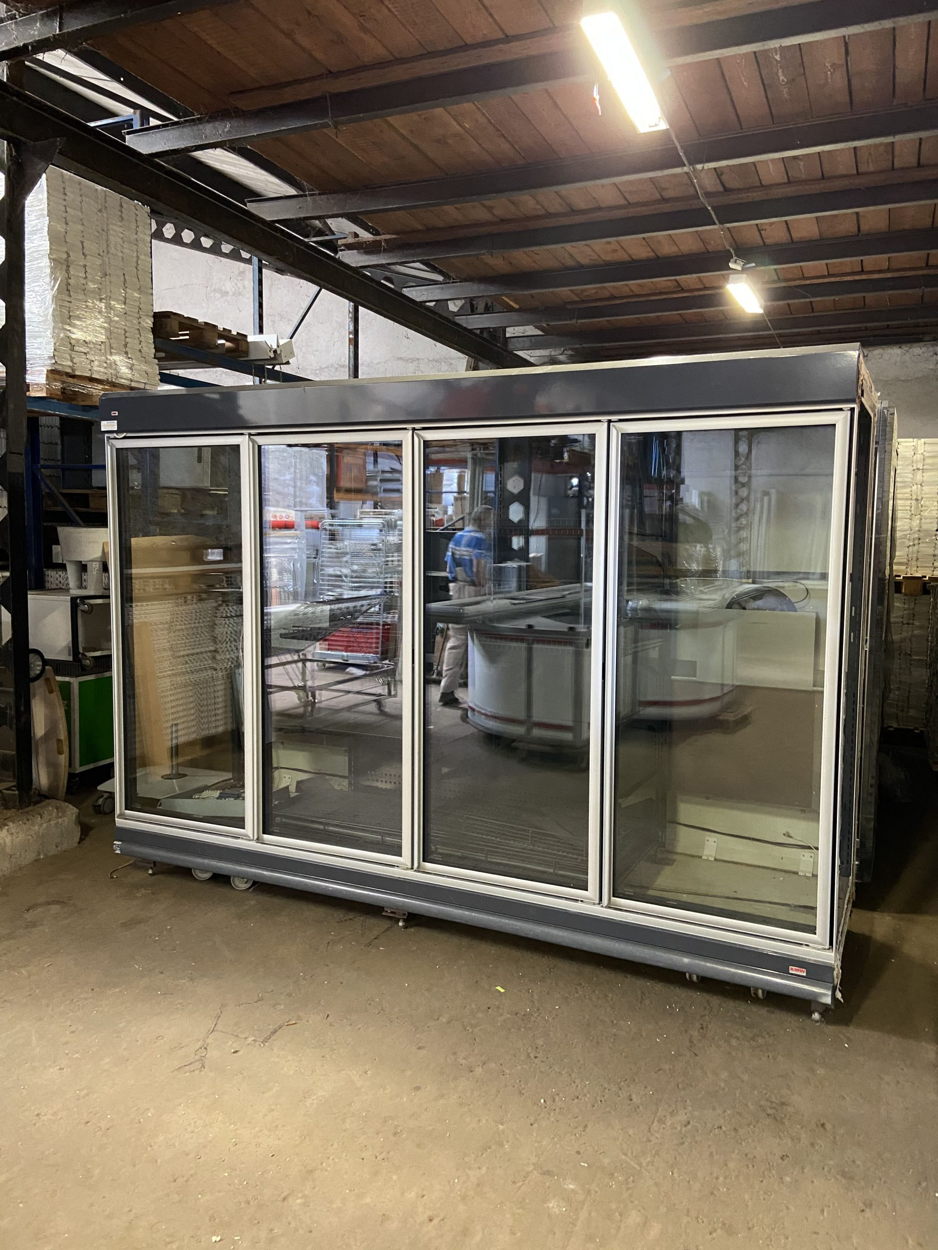 Üvegajtós fagyasztóvitrin (4 ajtós)